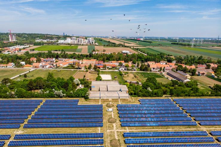 Figure: The biggest citizen's solar power plant in Unterlaa, Source: Wien Energie